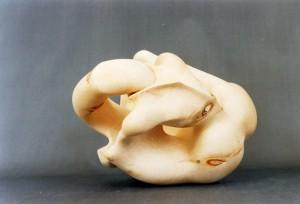 eberhard jordan 'erotische skulptur 13′ 1993 – zirbenholz – 30/30/27cm